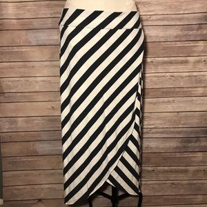 Athleta Skirt Midi Length Wrapped Striped LG